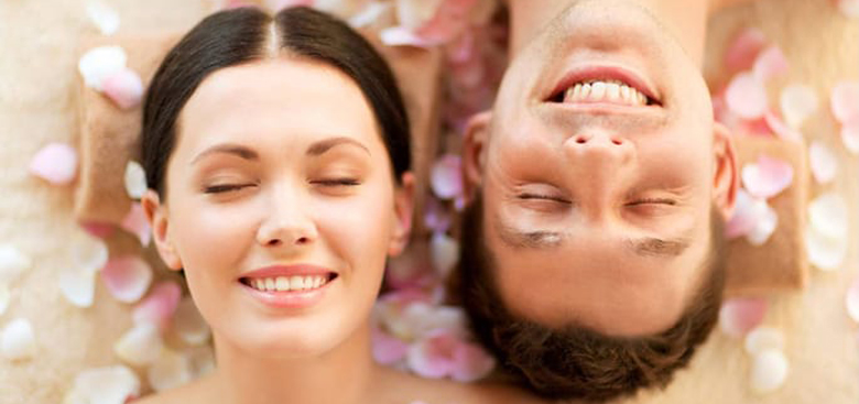 homme-femme-facial-soin-visage